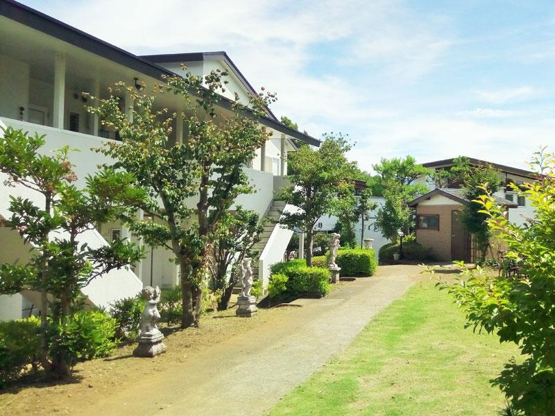 伊豆002の別荘地内。静かな別荘地です
