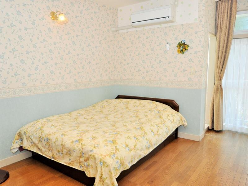 伊豆014 ダブルベッドルーム 室内