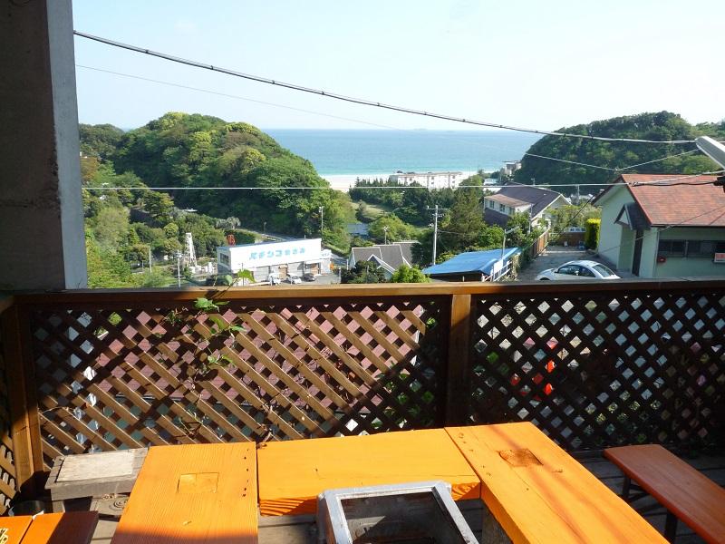 入田浜山荘 10名用コテージ バーベキューコーナーからの景色