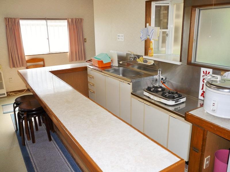 入田浜山荘 10名用コテージ キッチン