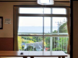 入田浜山荘 12名用 リビングからの景色