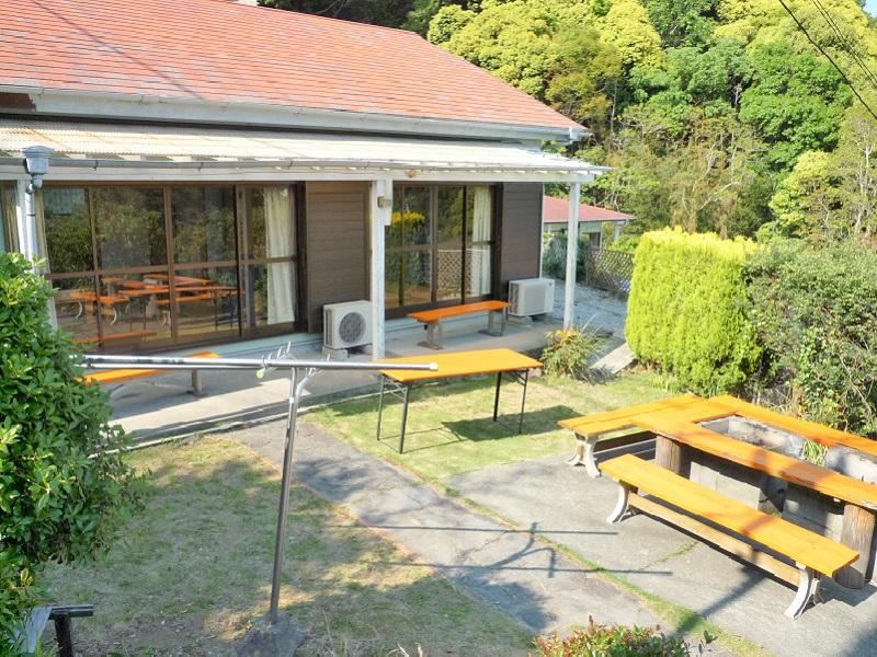 入田浜山荘 15~19名用 庭とBBQコーナー