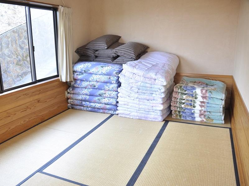 入田浜山荘 A6名用 和室