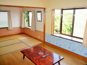 入田浜山荘 B6名用 リビングダイニング