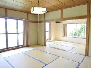 入田浜山荘 25~35名で泊まれる大型棟 寝室は和室