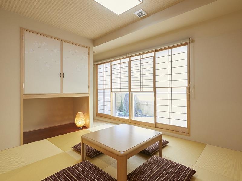 コンドミニアム欅庵東京日本橋 8名用 坪庭の見える和室