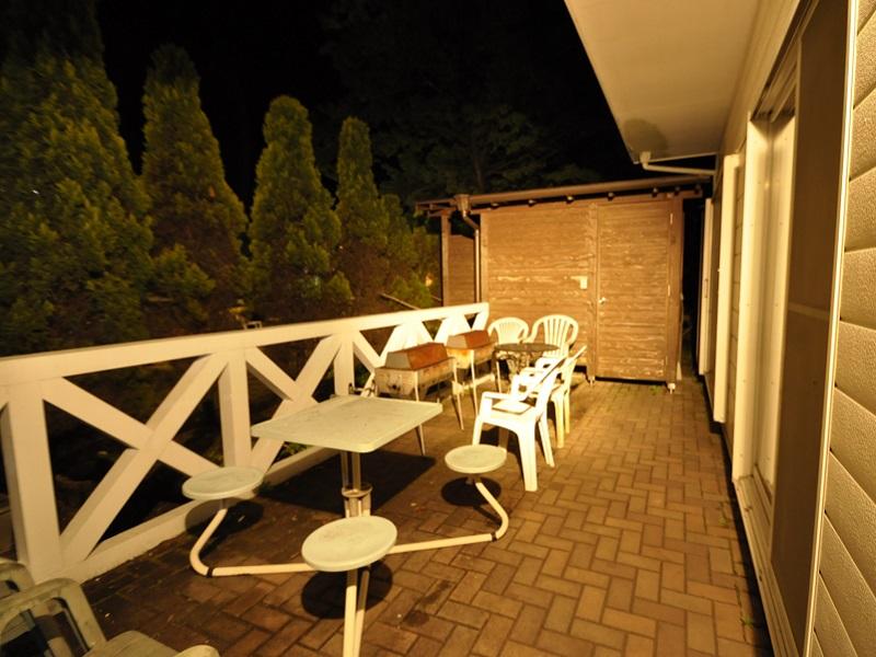 修善寺フォーレスト 一戸建て10名用 夜のバーベキューコーナー