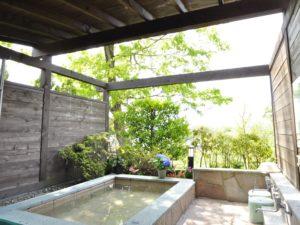 修善寺フォーレスト 一戸建てコテージ10名用 露天風呂