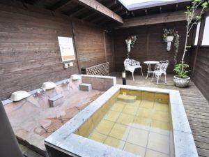 修善寺フォーレスト テラス露天風呂付10名用 露天風呂はカラン2口