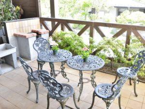 修善寺フォーレスト テラス露天風呂付5名用 1階客室のバーベキューコーナー
