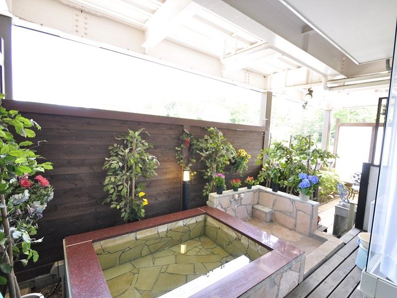 修善寺フォーレスト テラス露天風呂付5名用 1階客室の露天風呂