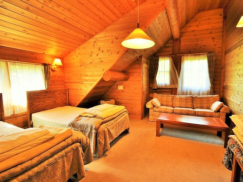ウルベビレッジ ログ12名用 ベッドルーム