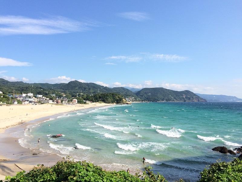 下田市の海水浴場・白浜大浜。下田市で一番ビッグなビーチ